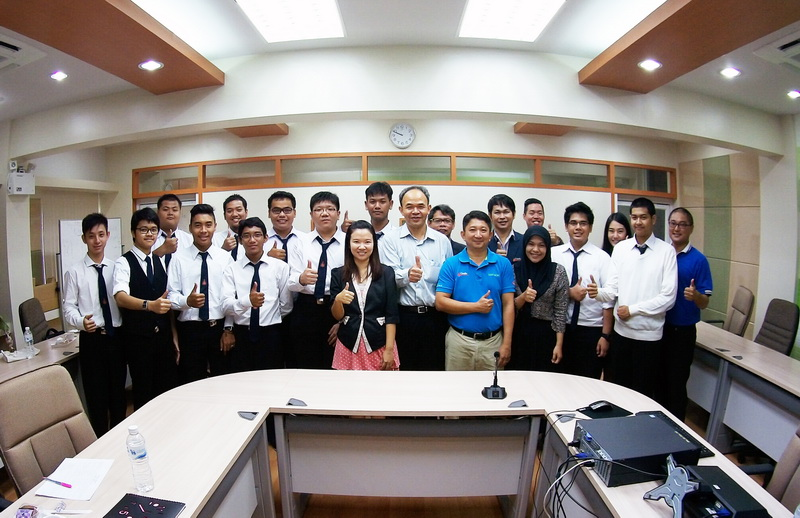 Welcome 11 Exchange Students from UDINUS, Indonesia to Faculty of Science, KKU